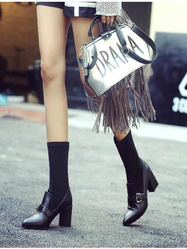 Şosetele- un accesoriu util şi la modă